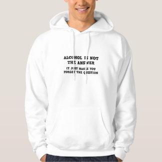 Alkohol är inte svaret sweatshirt med luva