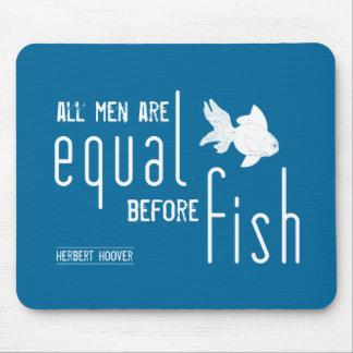All manar är jämbördig för fisken (alla färger) musmatta