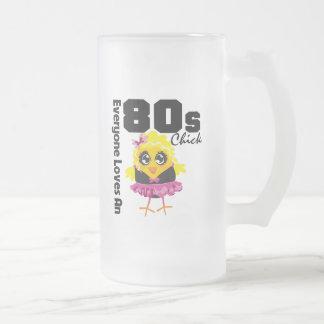 Alla älskar en 80-talchick frostad glas mugg