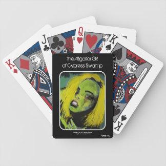 """""""alligatorflickan av det Cypress träsk"""" som leker Spelkort"""