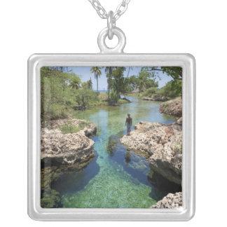 Alligatorhål, svart flodTown, Jamaica Silverpläterat Halsband