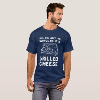 Allt som du behöver att förföra mig, är en grillad tee shirt