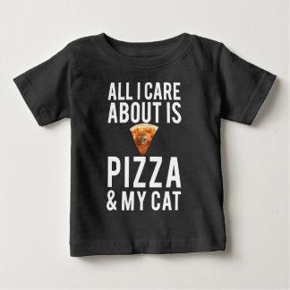 Allt som jag att bry sig, är omkring pizza & min tee shirt