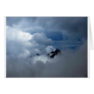 Alperna i molnen hälsningskort