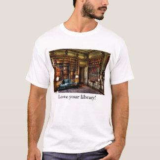 Älska ditt bibliotek! tee