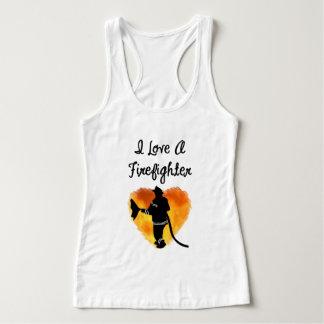 Älska en brandman tshirts
