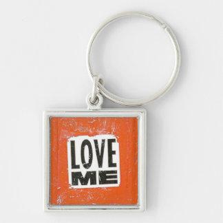 Älska mig fyrkantig silverfärgad nyckelring