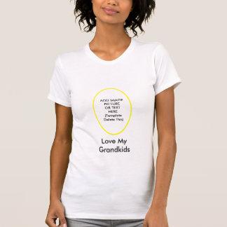 Älska mitt barnbarn som MUSEUMgåvorna tillfogar bi T Shirt