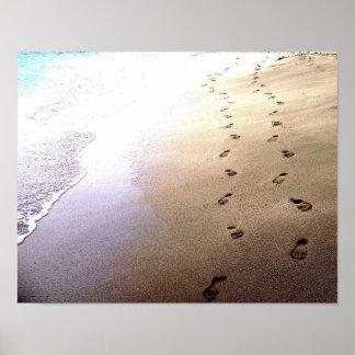 Älskarefotspår pricker sanden avstängde Barbados s Poster