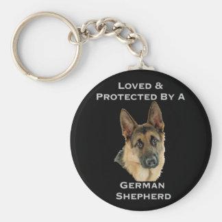 Älskat & skyddat av en tysk herde rund nyckelring