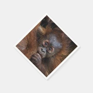 älskvärd orangbebis pappersservett