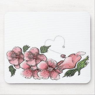 Älskvärd rosa hibiskus musmatta
