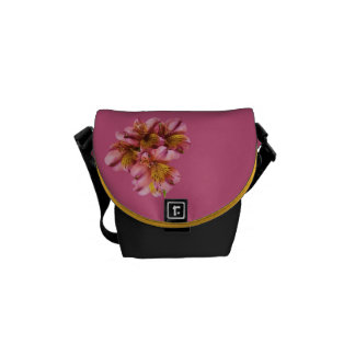 Alstroemeria blommar mini- messenger bag, skräddar kurir väska