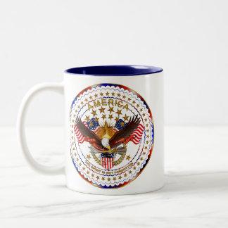 Amerika inte glömd dubbellogotyp Två-Tonad mugg