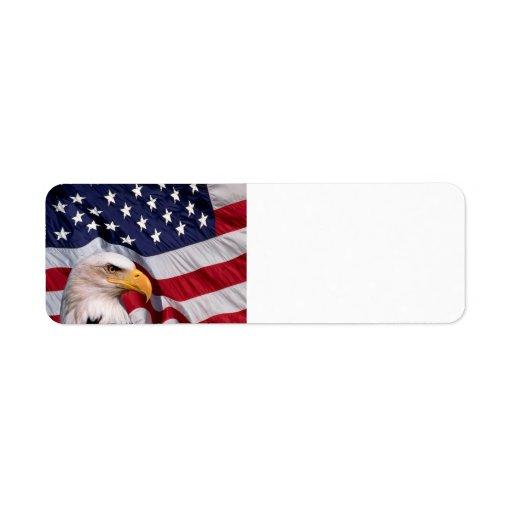 Amerikanörn med flaggabakgrund returadress etikett