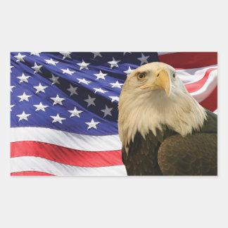 Amerikanörn och flagga rektangulärt klistermärke