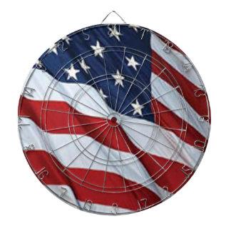 Amerikanska flagganpilen stiger ombord darttavla
