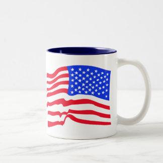 Amerikanska flagganstars och stripesmugg Två-Tonad mugg