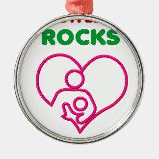 amma stenar, mamma med bebiset julgransprydnad metall
