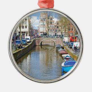 Amsterdam kanal med fartyg julgransprydnad metall