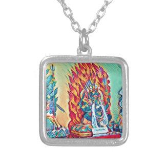 Andlig avfyrar silverpläterat halsband