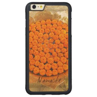 Andlig meditation för NAMASTE och inspirerad konst Carved Lönn iPhone 6 Plus Bumper Skal