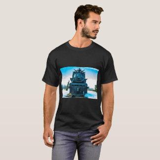 Ångatåg håller ett rullande t shirt