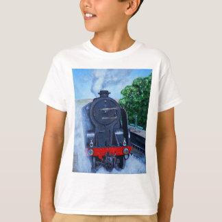 Ångatåg på stationen tee shirts