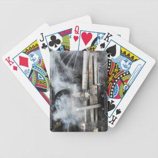 Ångatåg som leker kort spelkort