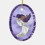 Ängel i purpurfärgad målat glass julgranskula