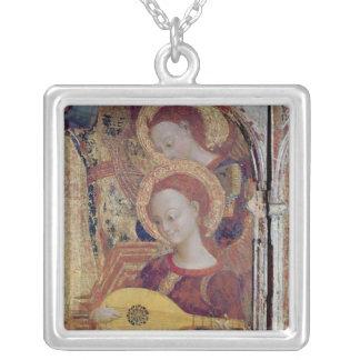 Ängelmusiker från målning av oskulden och barnet silverpläterat halsband