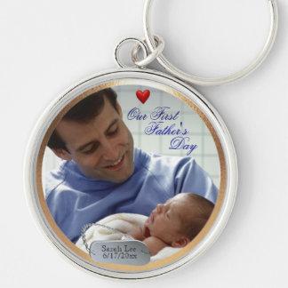 Anpassadefoto vår första fars dagnyckelring rund silverfärgad nyckelring
