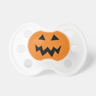 Ansikte för Halloween pumpahuvud som snider Napp