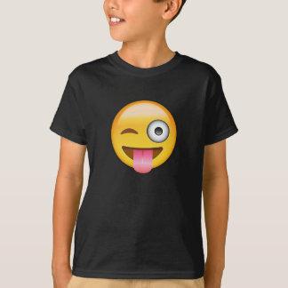 Ansikte med klibbat ut spontar och blinka ögat t shirt
