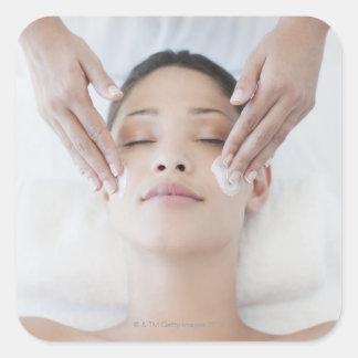 Ansikts- massage för kvinnahäleri fyrkantigt klistermärke