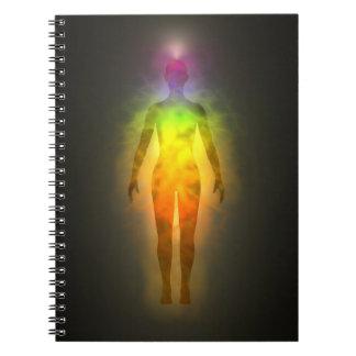 Anteckningsbok för Chakra energiAura