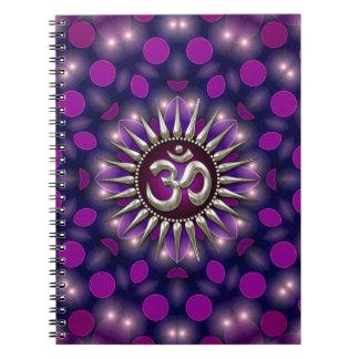 Anteckningsbok för energi för YogaOm purpurfärgad