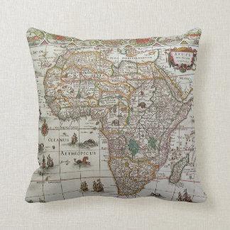 Antik karta för gammal värld av afrikan, C. 1635 Kudde
