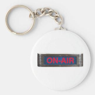 Antik På-Luft undertecknar eller På--Luft radiouts Rund Nyckelring