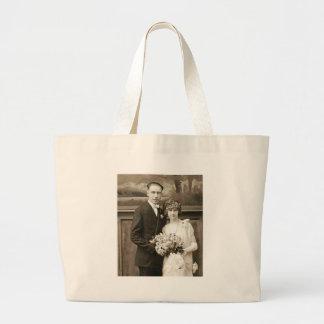 Antika romantiska brud- och brudgumfoto för vintag tygkassar