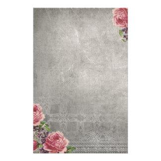 Antikvitetgrått med rosa rosbrevpapper brevpapper