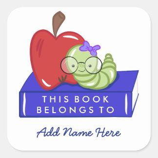 Apple & bokmal som denna bok hör hemma till fyrkantigt klistermärke