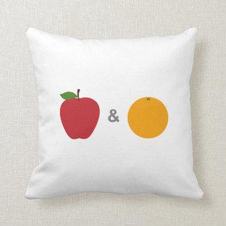 Äpplen & orangar (vit) kudder kudde
