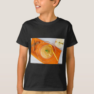 Applesauce med kanel och den orange skeden tröja