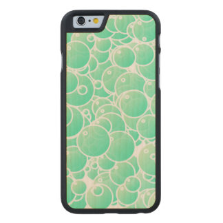 Aquamarine bubblar carved® lönn iPhone 6 slim fodral