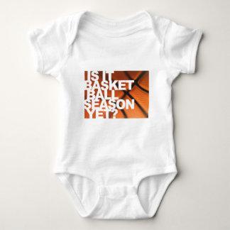Är det basketsäsongen ännu? t-shirt