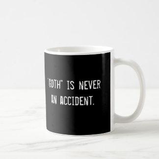 """""""Är Goth"""" aldrig en olycka., """"Goth"""" är aldrig… Kaffemugg"""