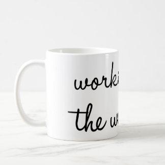 Arbete för helgmuggen kaffemugg