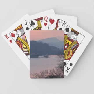 Arbete på floden på solnedgången spelkort