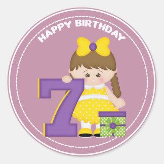 årig födelsedagklistermärke för flicka 7 runt klistermärke